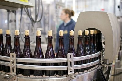 3 Signs You Need a New Process Manufacturing ERP - Bottling